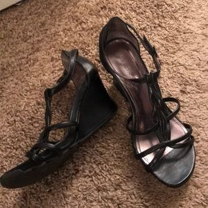 Kennth Cole Reaction Black Wedge Sandals